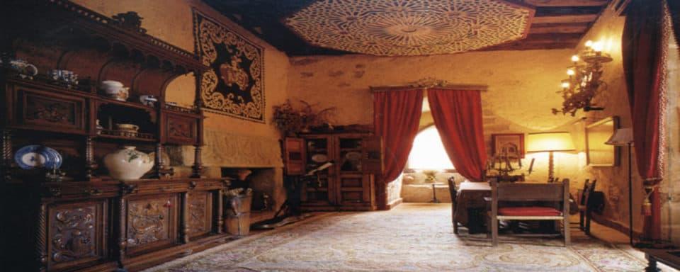 Spanish Interior Design Style Expertise