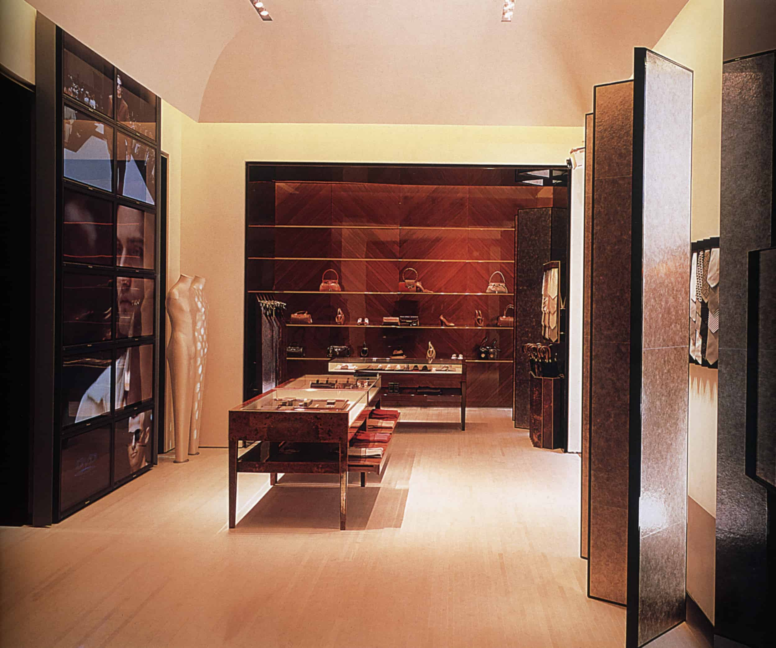 INDOOR Ξ Architecture Shop Design Solution