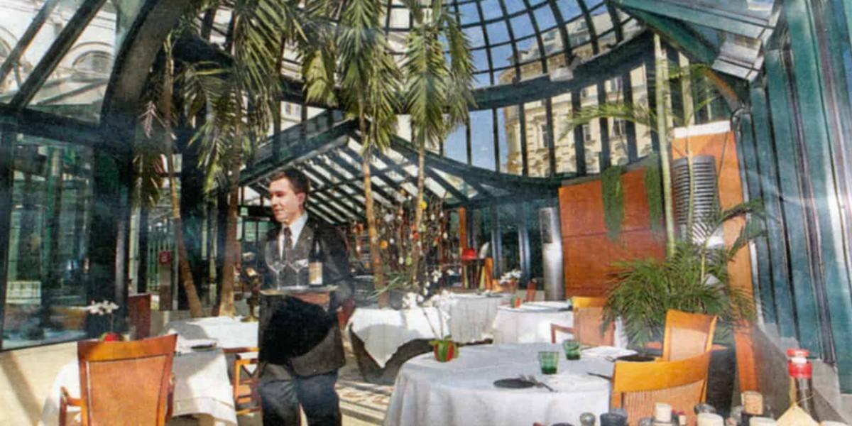 INDOOR Ξ Architecture - Hotel Restaurant Extension by Glass Architecture & Wintergarden